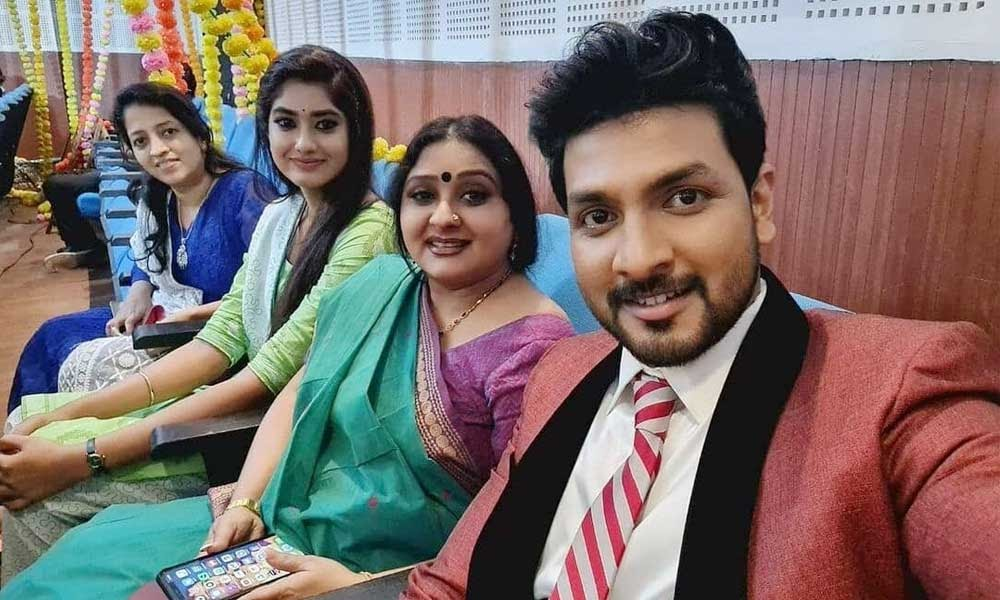 Kaatrukkenna Veli Vijay Tv Serial Cast Names