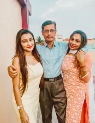 Namrata Parija father, mother