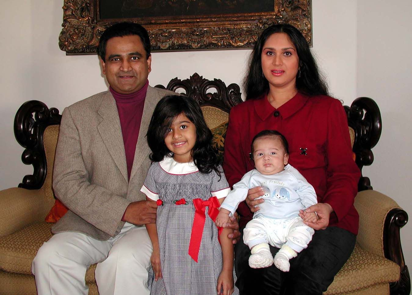 Meenakshi Seshadri Husband