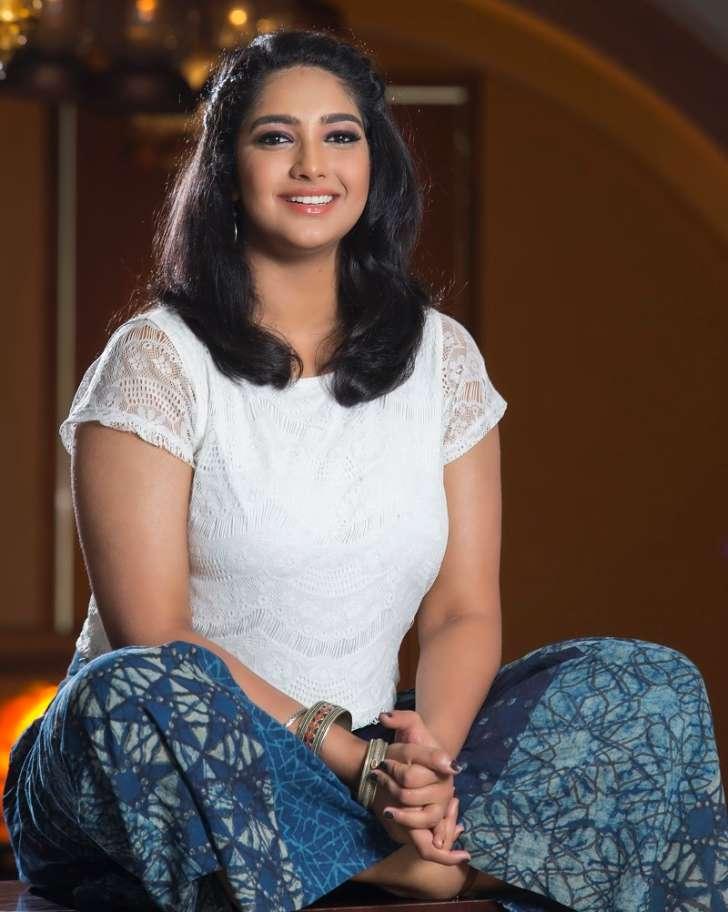 Karthika Muralitharan Wiki