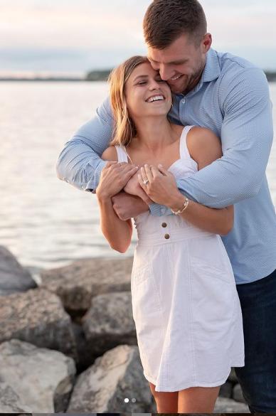 Dani Rhodes & Tj Watt Engagement Picture