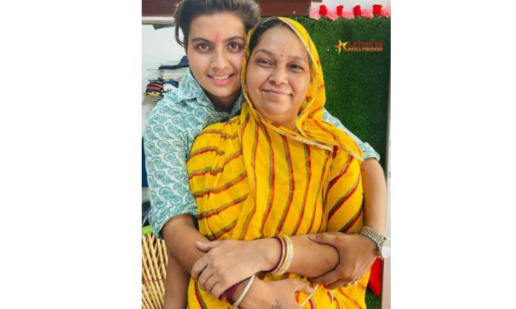 Ratan Chouhan Mother